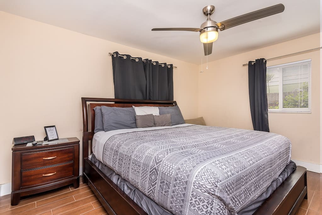 King Size Bed Room 1 & 52 Inch Smart TV