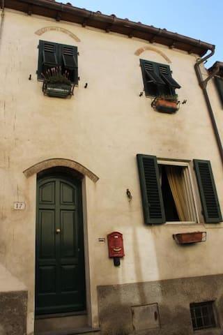 Appartamento via delle Conce (centro storico)