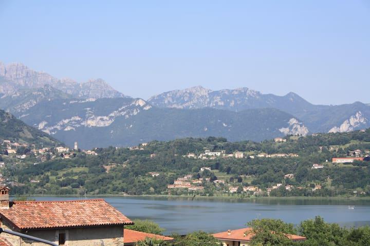 Gorgeous flat near the lake of Como