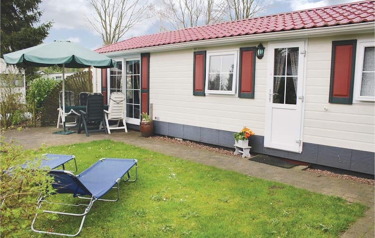 Holiday cottage with 2 bedrooms on 48m² in Epe