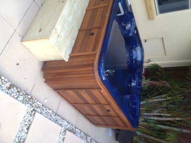 Tropical garden studio near manly - Beacon Hill - Bungalow