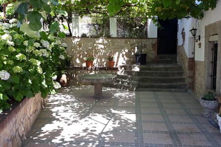 La casa de don Valeriano - 6 huéspedes