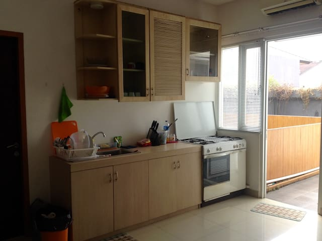 1 BR (18m2) with balcony, kitchen, dinning - Tebet - Daire