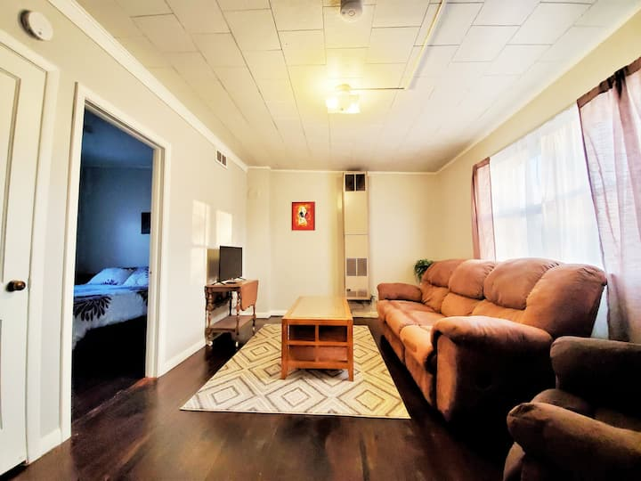 Cozy 2br in front of East Twin River, Mishicot