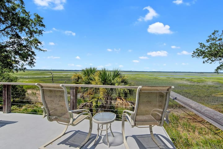 New to rentals, gorgeous views!