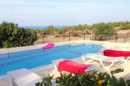 KB425 Luxury 4 Bdromed Villa w/Pool