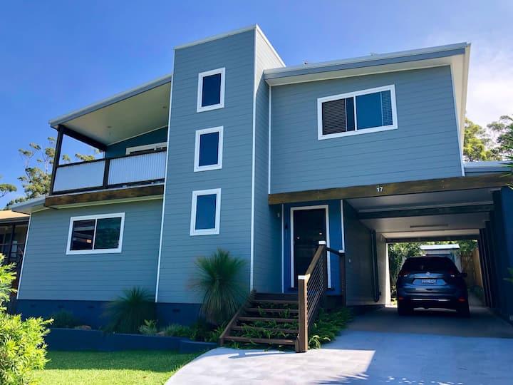 Casa Manyana - a stylish roomy beach house