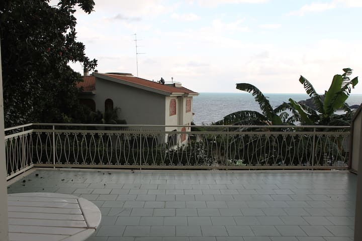 Appartamento e terrazza vista mare - Apartments for Rent in Aci ...
