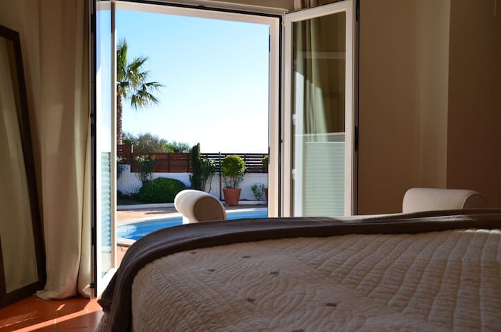 vdl 488/489 view out of master bedroom
