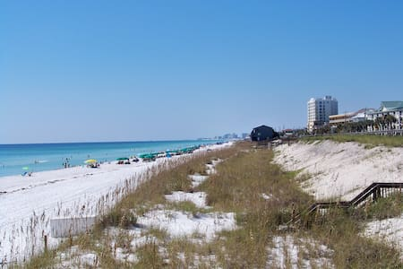 1 st Floor, Free Beach Supplies+Cart, 1 BR+Bunk - Destin