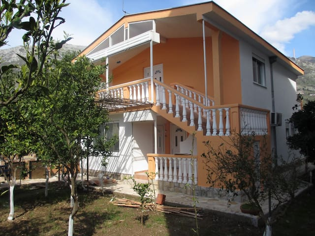 Apartment two bedroom - Sutomore - House