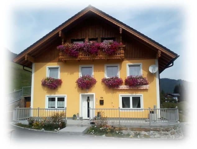 Ferienhaus Weißenbacher Sabine in Krispl/Gaißau