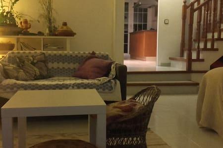 Habitación en casa con jardín - 산 페레 데 리베스