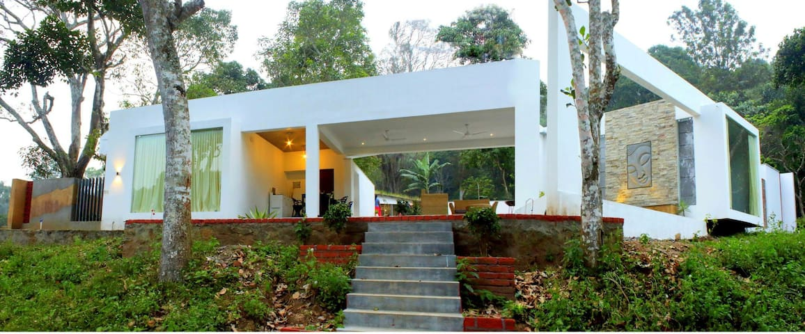 Thapovan Resort - Кодаиканал - Вилла