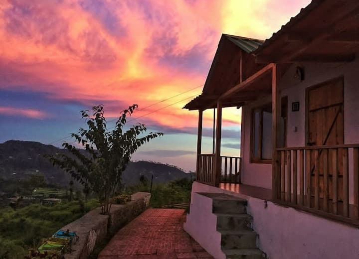 Private Deluxe Cottage close to Bhimtal Mukteshwar