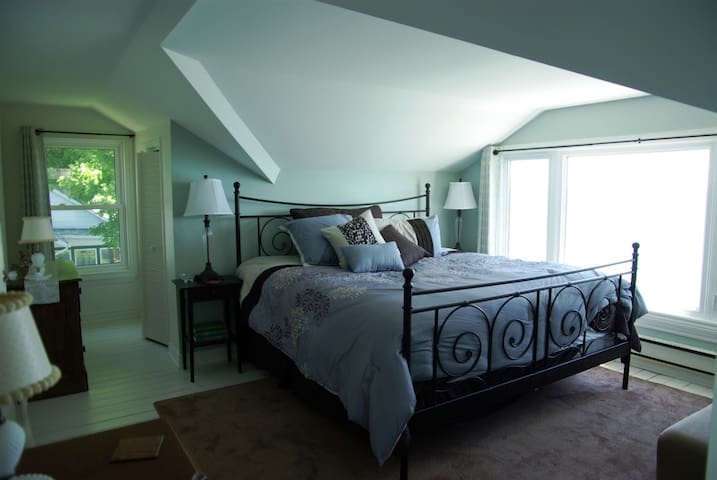 Master bedroom has a King plus single day bed for child