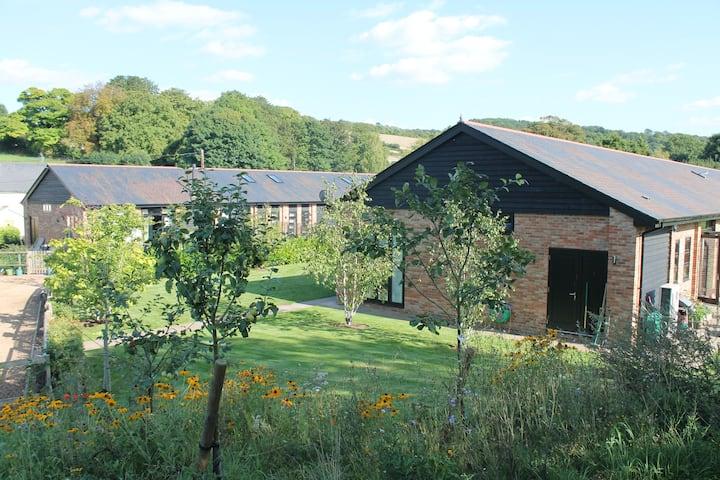 Gorgeous rural Kentish barn, 45 mins from London