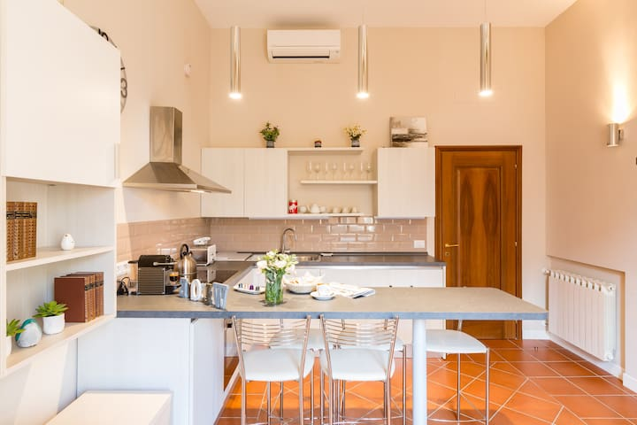 Family-Friendly Apartment Close to the Colosseum