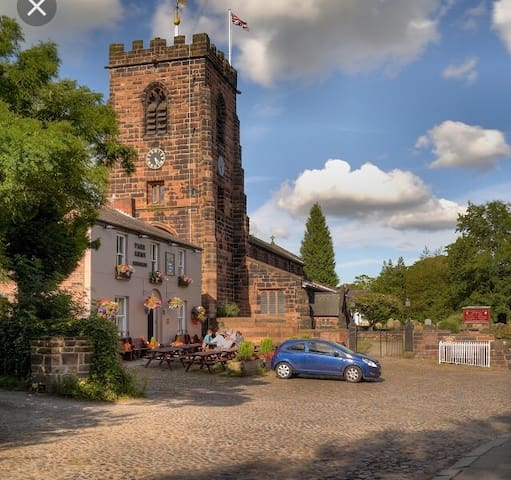 Grappenhall Village home of 2 local pubs is in walking distance!