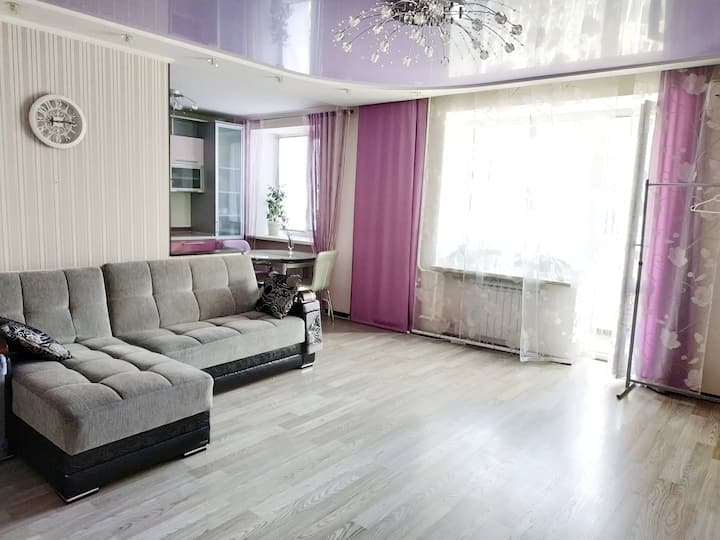 Modern comfortable apartment opposite the park