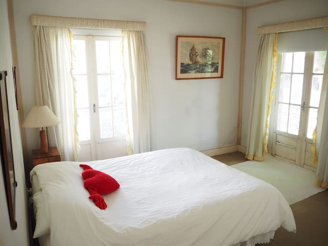 Room near Oeiras / Carcavelos beach - Oeiras - Apartment