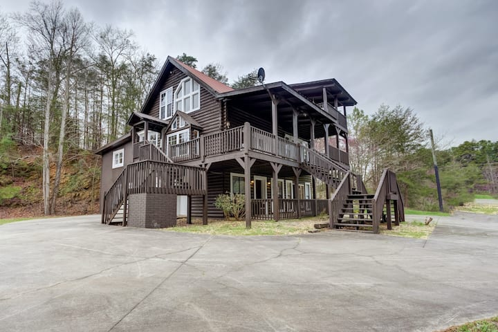 NEW LISTING! Roomy, three-story mountain home w/ two full kitchens & decks