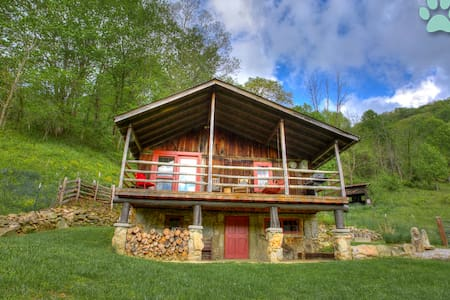 Momma Bear Cabin-Nestled amongst Three Bears; awesome views & privacy! - Clyde - Ház
