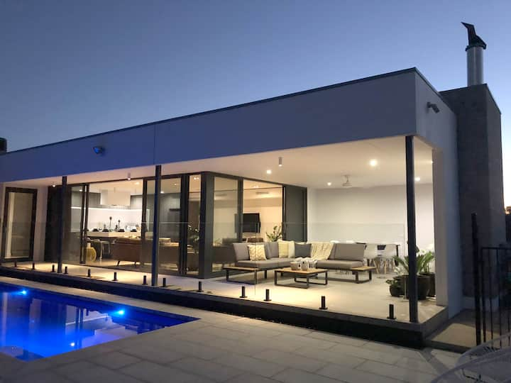 The Sinatra Holiday House in Mulwala