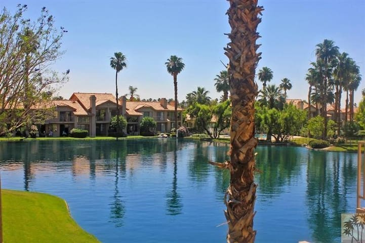PGA West 3 bed condo with lake view.