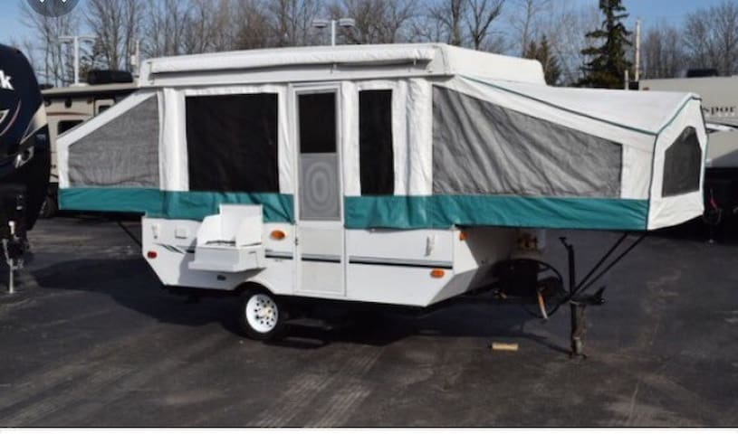 Pop UpTent Camper with cold a/c! - Knoxville - Husbil/husvagn