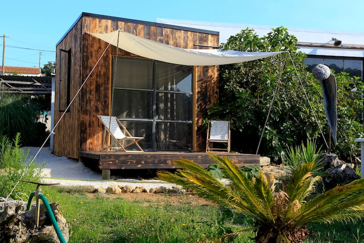 Wooden Eco Cabin 1km from Ribeira DÌlhas beach - Santo Isidoro