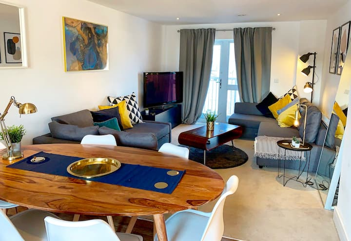 Next Level Apartments, Scandi Style @ Station View