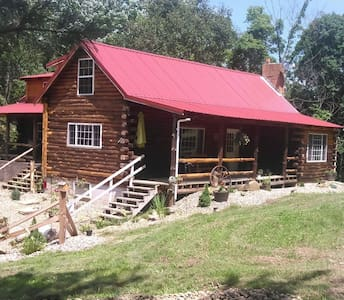 YE OLE HILLBILLY LODGE