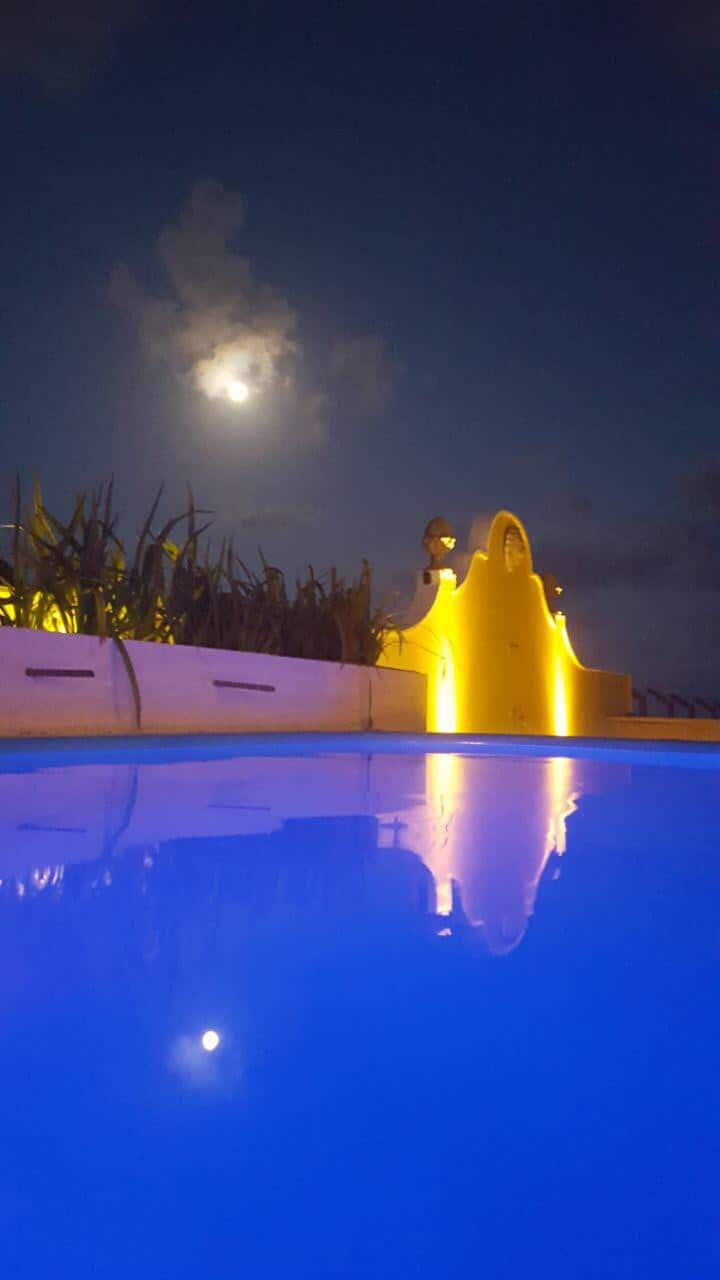 Casa de Praia finamente mobiliada piscina e ofurô