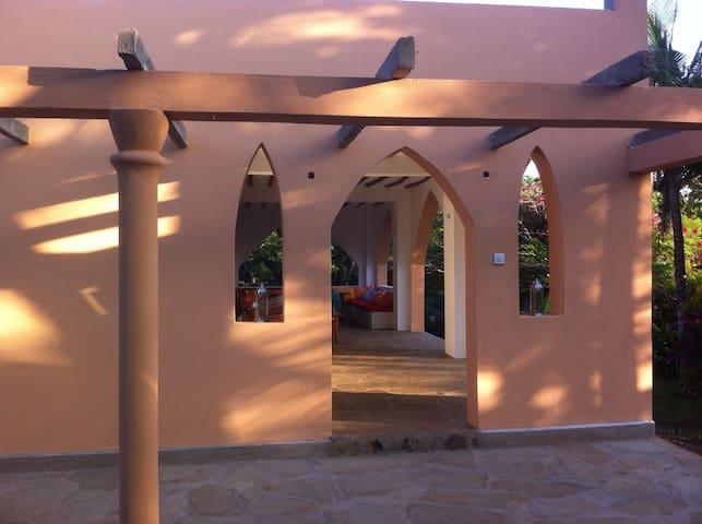Villa Baobab mit Privatpool,AirCon,Diani Beach