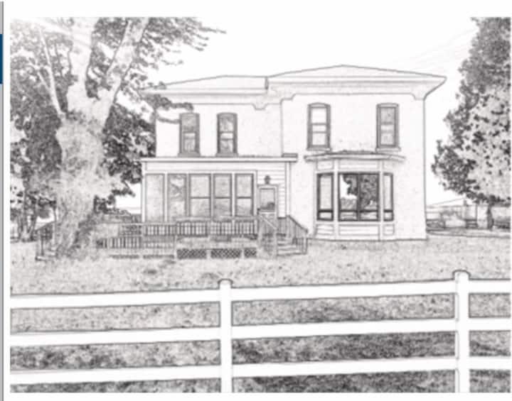 """Olde World Charm - Farmhouse """"Countryside"""" Room"""