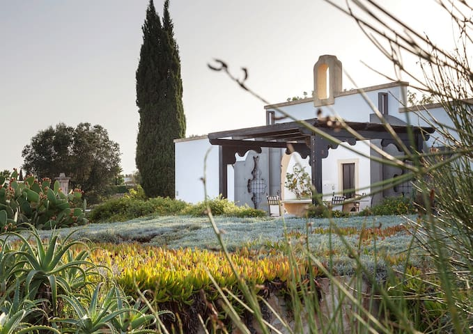 Masseria Ovile di Scilla Orange Room - Carovigno - Bed & Breakfast