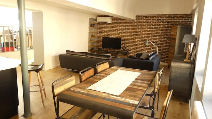 Très beau duplex 2 chambres ,90 m2 lumineux .