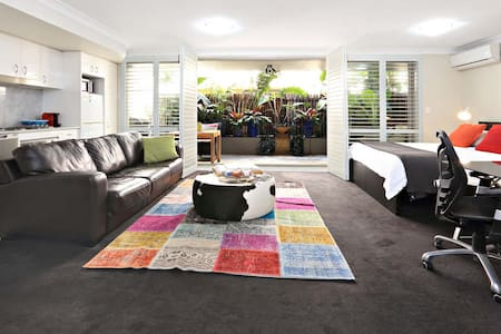 Best location, huge balcony + BBQ - Manly - Wohnung