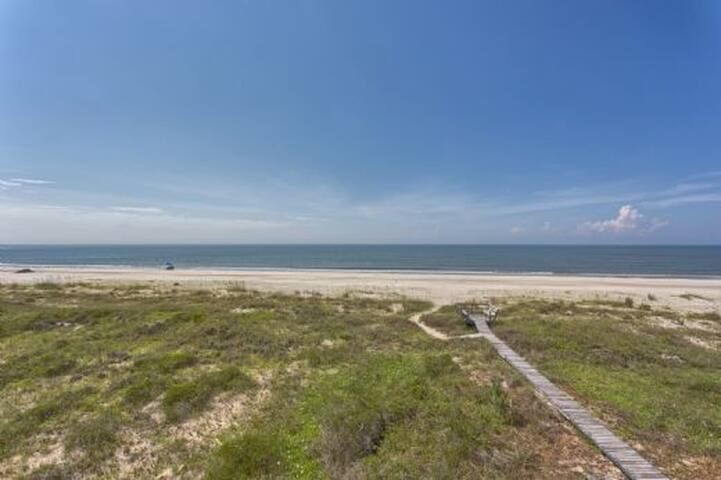 Gulf Front, Secluded Area, Steps From The Beach ~ Pelican Landing 1