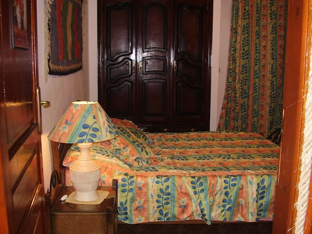 Charming Double guest room - Silver beach km26 - Vila