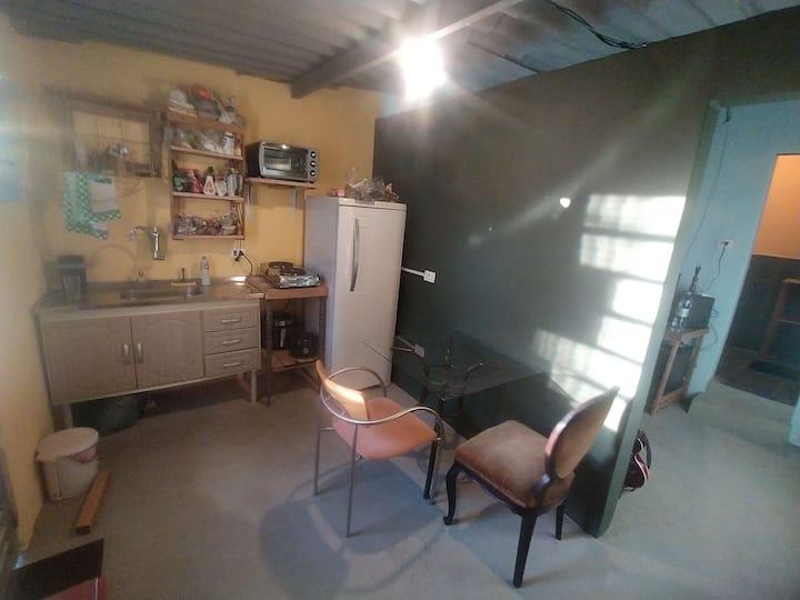 Linda casa terrea bem equipada de fácil acesso