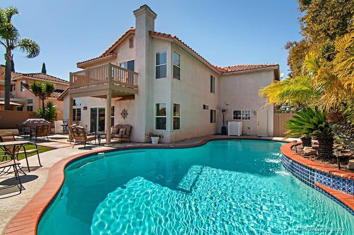 Oceanside hill top pool home 5 bedrooms 3 bath