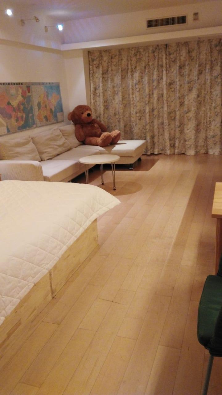 温馨浪漫舒适海悦国际公寓度假房,享受海悦建国饭店五星级酒店待遇,从海悦建国饭店直接进入房间,超值享受
