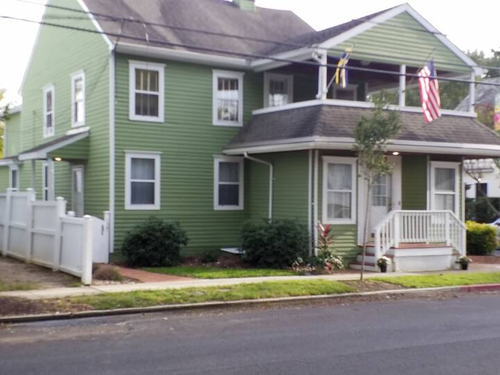 Great one bedroom apartment in Eastport