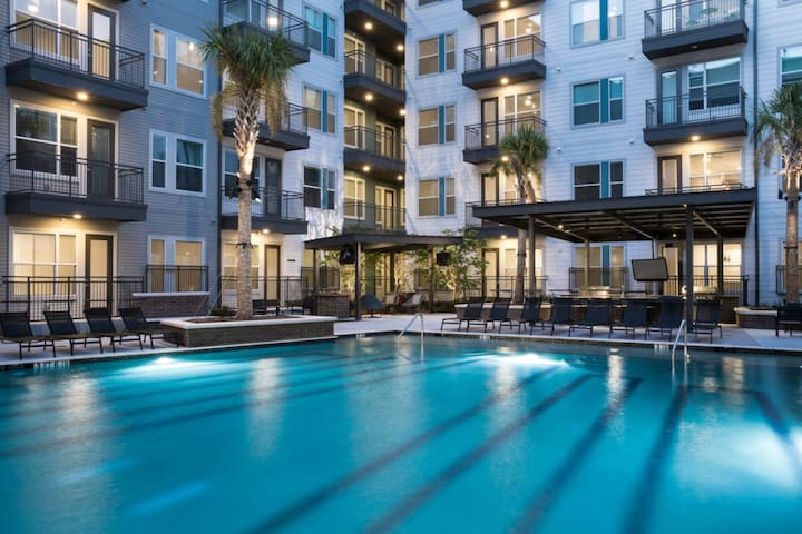 Downtown Tempe Luxury Condo/ASU/Mill Ave/Airport
