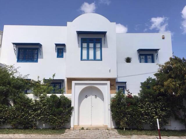 Villa avec piscine LaMarsa Corniche - La Marsa - Villa
