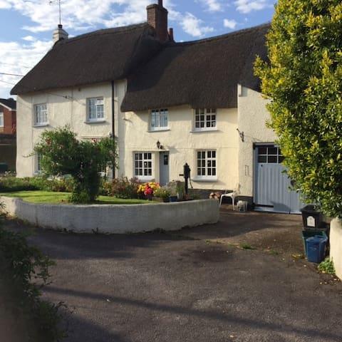 Silver Cottage, Silverton