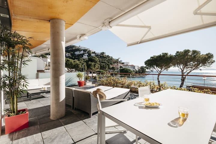 View Roses Mar - Luxury apartment in Roses, on the first line of Canyelles beach .  The