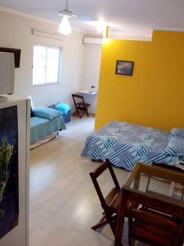 Estúdio novo no Campeche.  Confortável e privativo